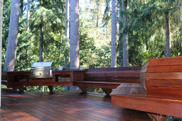 Oiled ipe deck, benches and barbecue